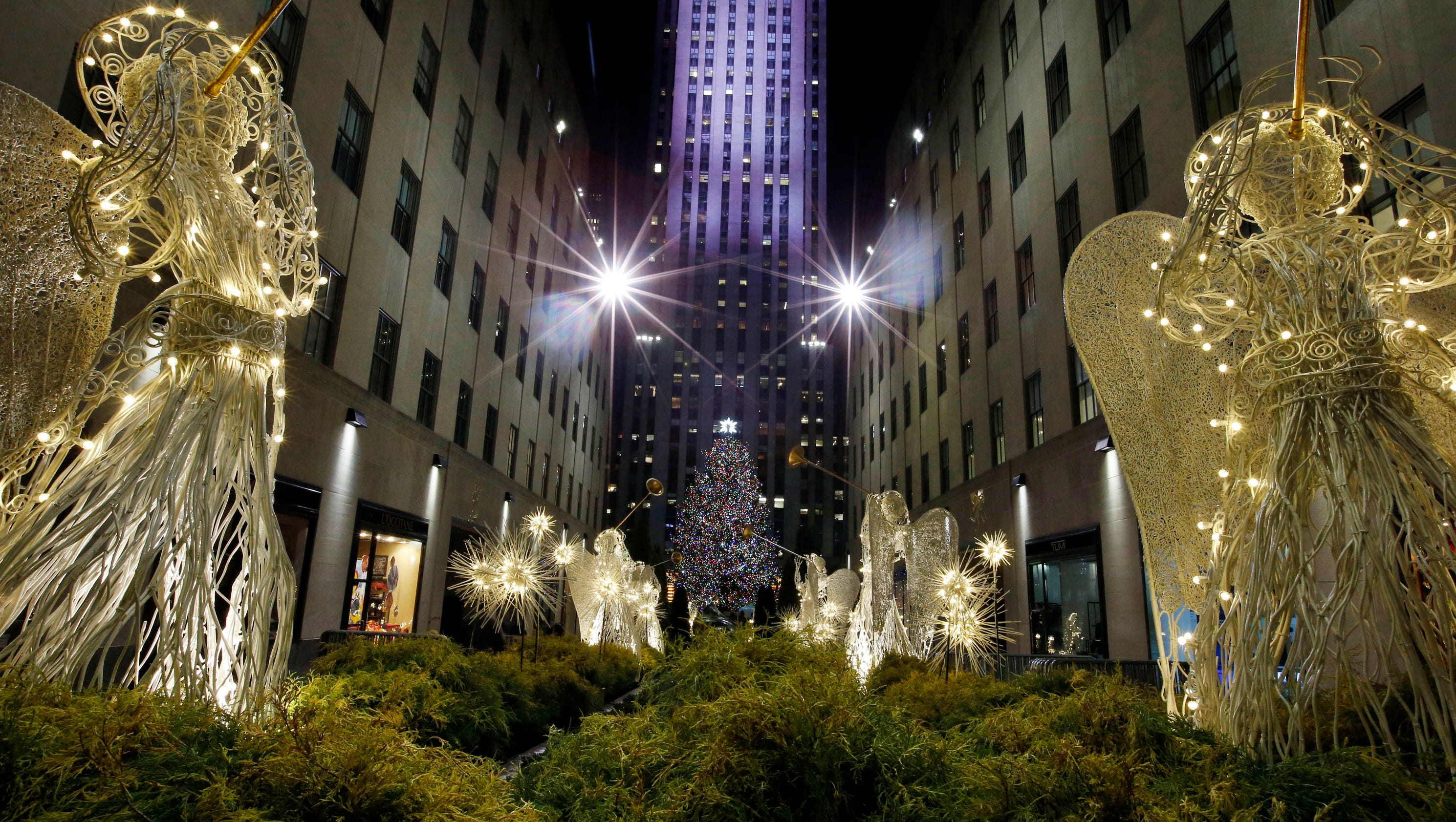 When The Christmas Tree Lighting Rockefeller Center