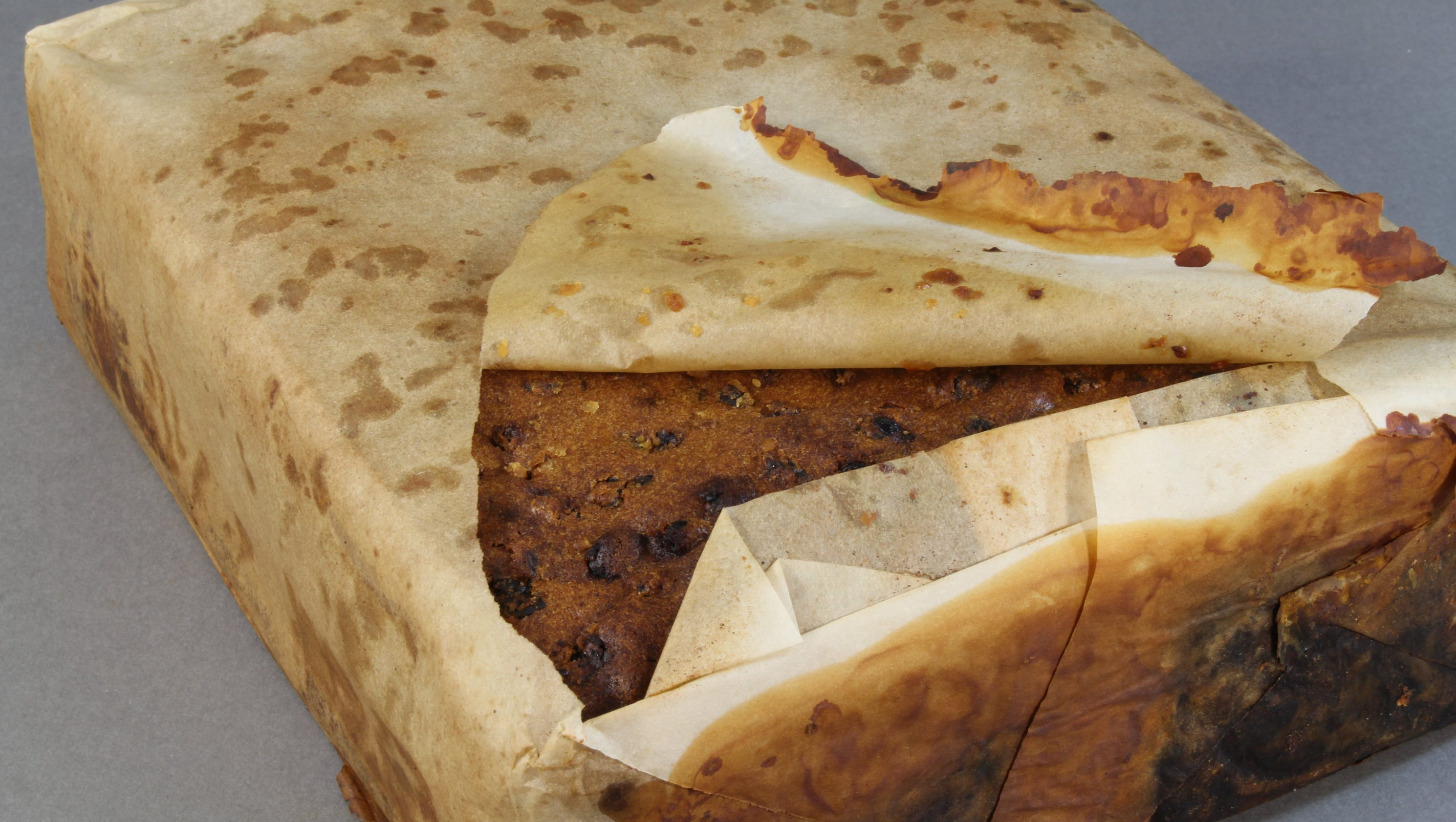 Yearold Fruitcake Found In Antarctica Looked And Smelled Edible - 100 year old photos antarctica