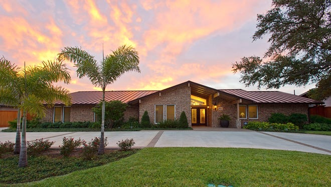 PHOTO BY EDDIE SEAL/SPECIAL TO THE CALLER TIMES234 Cape Aron, a stunning, picturesque home in established South Shores subdivision. This five bedroom, five bath home has been remodeled from top to bottom