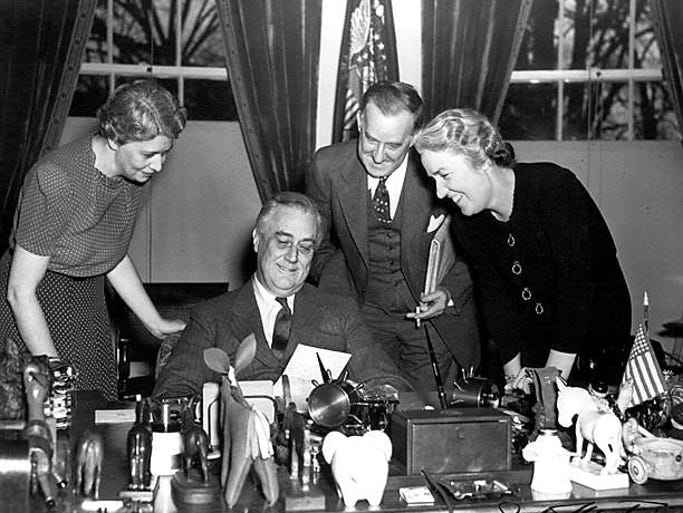 Franklin D. Roosevelt the New Deal Essay