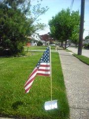060216-td-totmemorialdayflags1.jpg