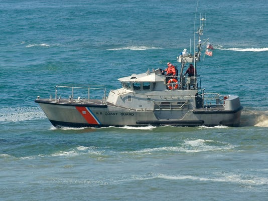 636261530492385815-Coast-Guard-boat.jpg