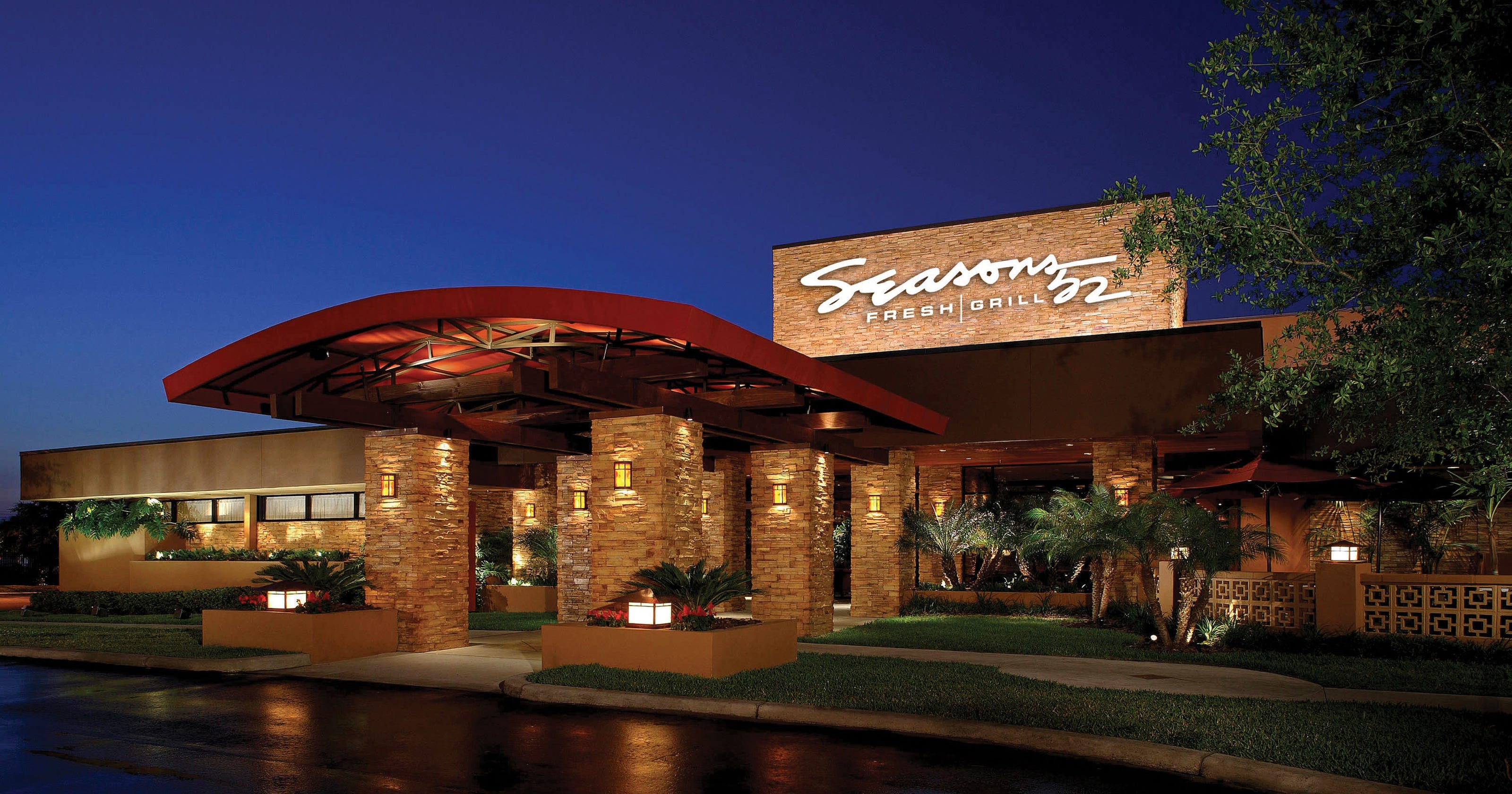 Seasons 52 restaurant to open michigan location in troy for Sports bars palm beach gardens