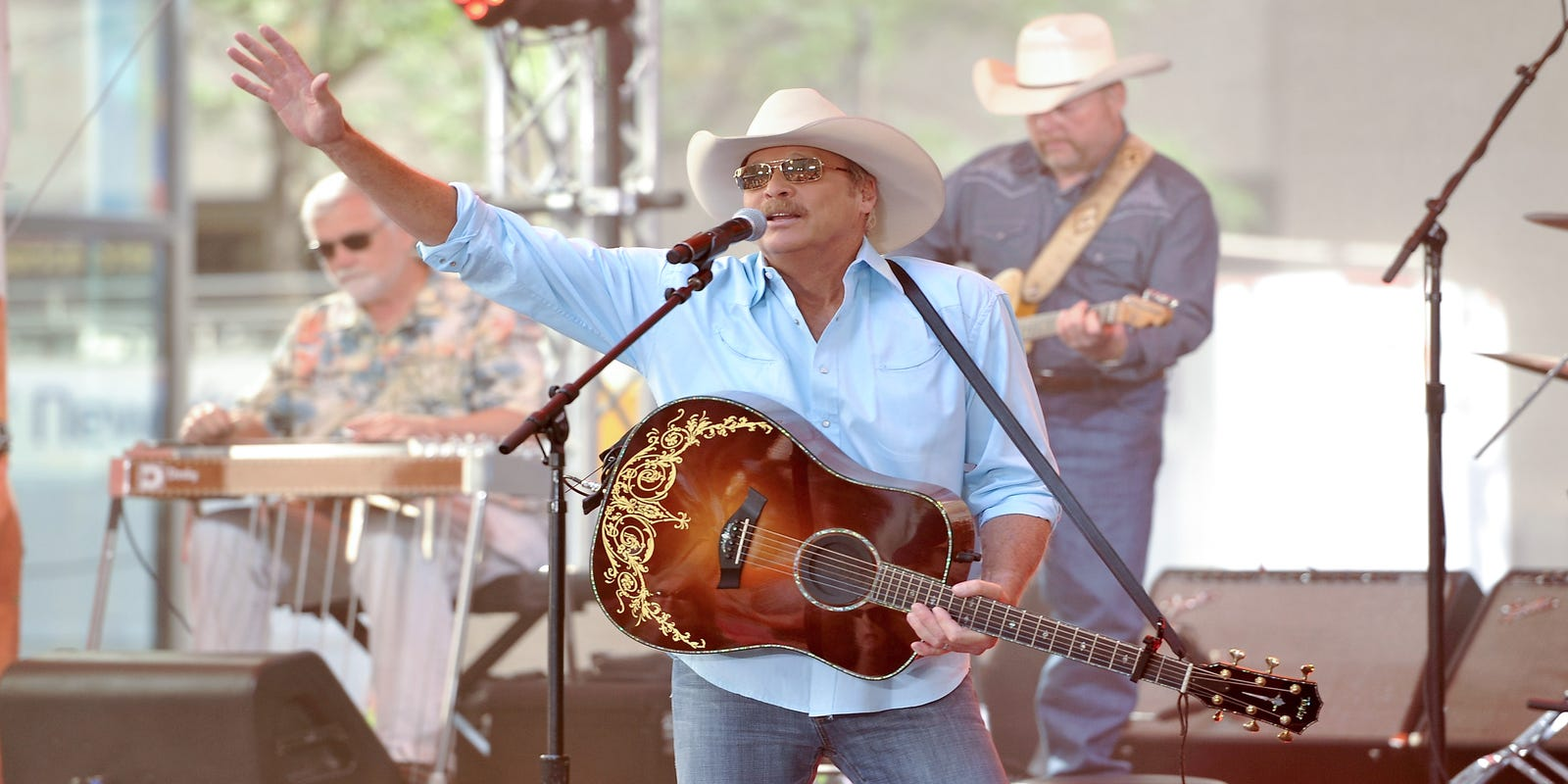 Alan Jackson tickets go on sale Friday for his 2020 Des Moines concert