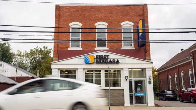 First Niagara Bank, on Main Street in the Town of Windsor, is closing Friday.