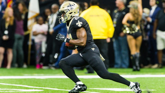Saints receiver Tommylee Lewis runs the ball as The New Orleans Saints take on The Tampa Bay Buccaneers. Sunday, Nov. 5, 2017.