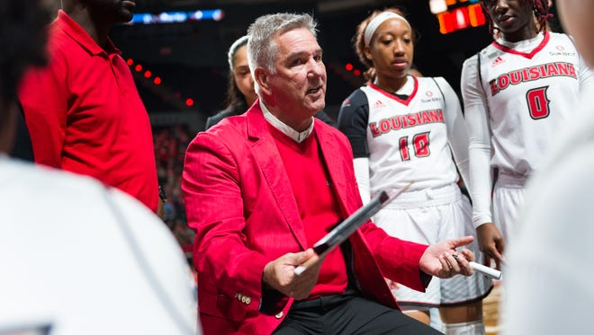UL women's basketball coach Garry Brodhead and his Ragin' Cajuns are coming off a split in Arkansas to open Sun Belt Conference play.