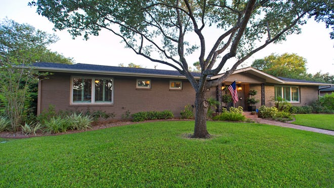 429 Williamson Place, a 1950s classic is located in the heart of Lamar Park one of Corpus Christi's most sought after older neighborhoods.