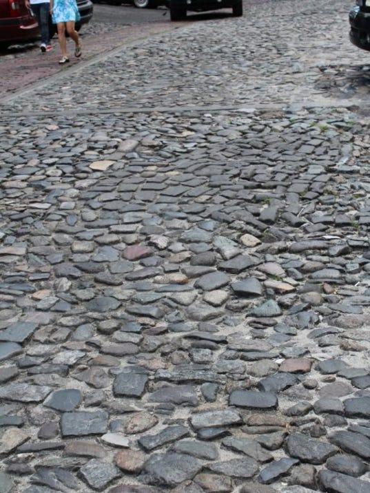 636391758520310025-Savannah-Cobble-Stones.jpeg