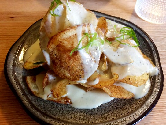 Fort Louise: Fort Louise's potato chips with blue cheese