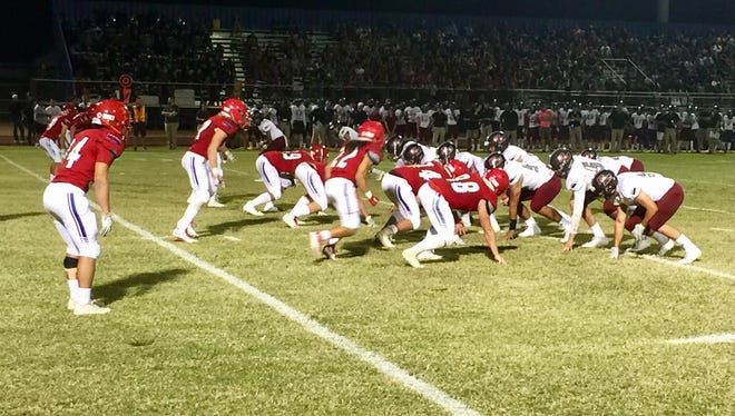 Mesa Mountain View battled rival Mesa Red Mountain on Friday, Oct. 6, 2017.