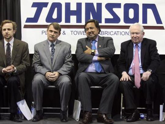 Bill Sanders, far right, is founder of Strategic Growth Bancorp., of El Paso. He sat next to former New Mexico Gov. Bill Richardson during a 2010 announcement in Santa Teresa.