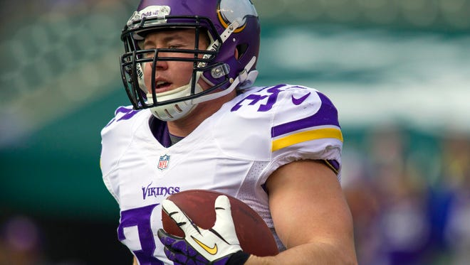 Minnesota Vikings running back Toby Gerhart (32) rushes the ball during pre game against the Cincinnati Bengals.