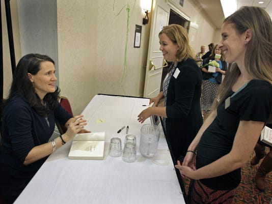 635775037838926333-APC-Women-s-Fund-Liz-Murray-0039-091015-wag