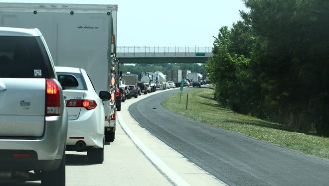 Del. 1 closed in both directions is causing backups.