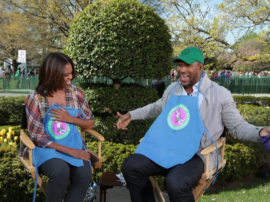 Michelle Obama and Michael Strahan