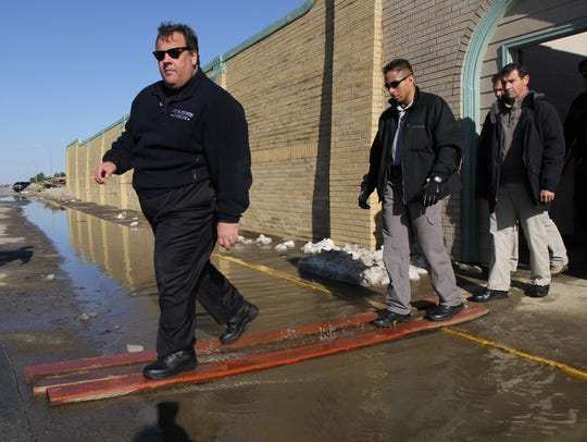 Christie leaves the Spring Lake, N.J., Municipal Pool