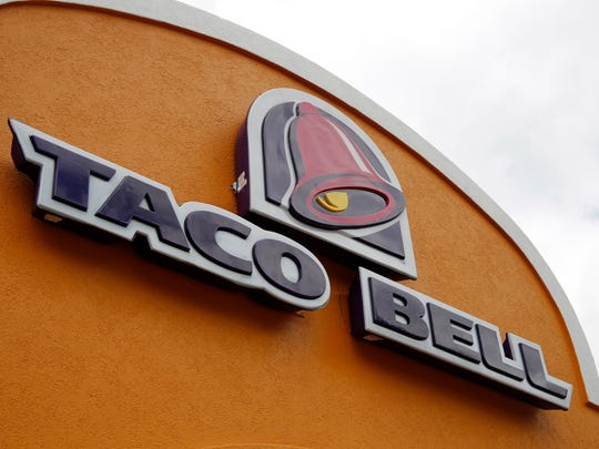 The outside of a Taco Bell