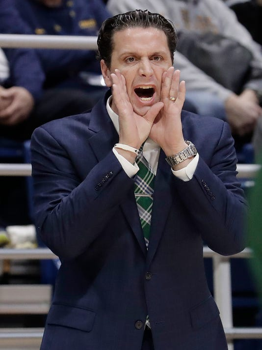 Portland State head coach Barret Peery yells to his players during the first half of the team's NCAA college basketball game against California in Berkeley, Calif., Thursday, Dec. 21, 2017. (AP Photo/Jeff Chiu)