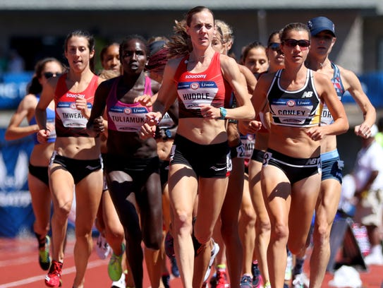 Molly Huddle leads the pack on her way to a win in