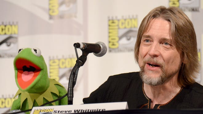 Kermit the Frog, left, and puppeteer Steve Whitmire at Comic-Con International in San Diego on July 11, 2015.