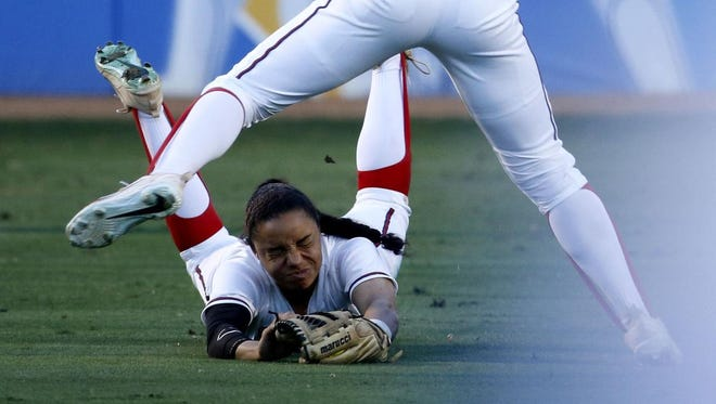 Arizona's Ashleigh Hughes dives for a ball on may 25, 2018.