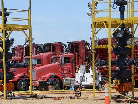 -FTC0520-gg oilfield tour 02.jpg_20140519.jpg