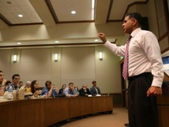 Judge Amul Thapar teaching at Notre Dame law school