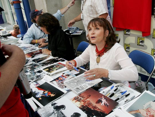 Actress Margot Kidder signs autographs at Comic Con