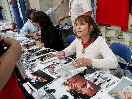 Actress Margot Kidder signs autographs at Comic Con