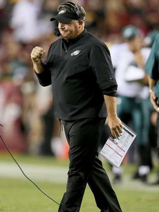 0c20997ce5e 2013-09-09-chip-kelly-eagles-redskins. Philadelphia Eagles coach Chip Kelly  reacts in the first half against ...