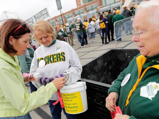 636104031153395154-APC-Packers-vs-Lions-0103-092516-wag.jpg