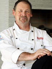 Chef Paul Drew will lead three cooking classes this fall at Phillips Seafood restaurant in Atlantic City.