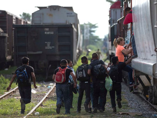 AP IMMIGRATION OVERLOAD CENTRAL AMERICAN GANGS Q&A I FILE MEX
