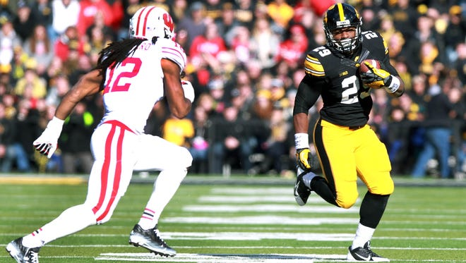 LeShun Daniels welcomes his brother, James, to the Hawkeyes this fall.