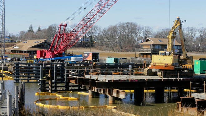 Construction continues on the bridge over Matawan Creek in between Aberdeen and Keyport in Keyport, NJ Wednesday, January 25, 2017. The Transportation Trust Fund shut down last summer could significantly increase the cost of this project.
