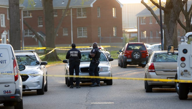 LMPD from the Fourth Division responded to a reported shooting in the 100 block of Kingston Avenue near Southside Drive and discovered two victims.April 14, 2017