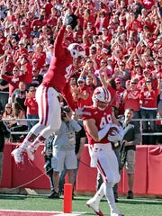 Wisconsin Badgers tight end Austin Traylor (46) jumps