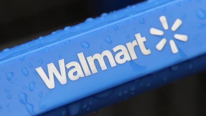 Wal-Mart will close its call center in Hattiesburg and relocate operations to Bentonville, Arkansas.