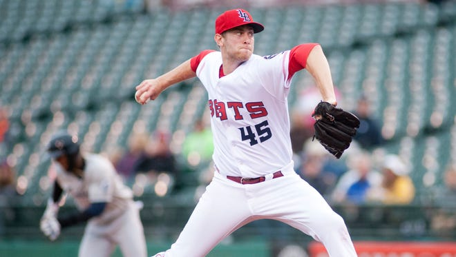 Moscot, a Reds pitcher rehabbing with the Bats, gave up 9 runs in the first 4 innings, including 7 of those runs from 4 homers.With Columbus Clippers' Joey Butler starting his run to second base, Louisville Bats starting pitcher Jon Moscot throws to home plate.20 May, 2016