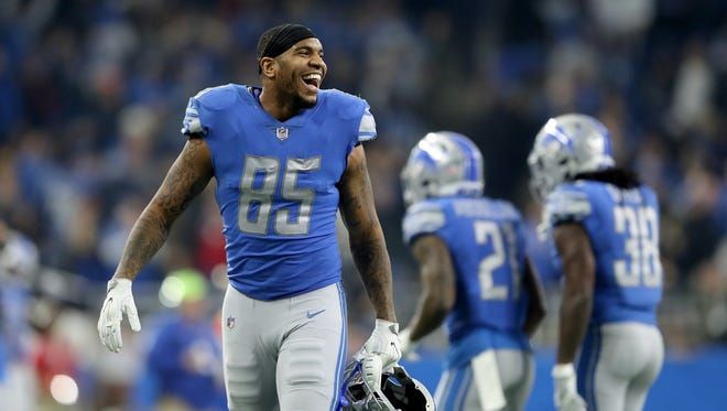 Lions tight end Eric Ebron celebrates a two-point conversion reception by quarterback Matthew Stafford in the fourth quarter against the Packers at Ford Field on Dec. 31, 2017 in Detroit.