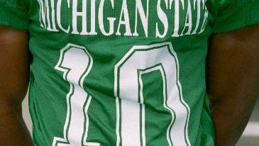 Ever see a number on a Michigan State football jersey and think of all the great players to wear it? Today, we decided who was the best Spartan to ever wear the No. 10