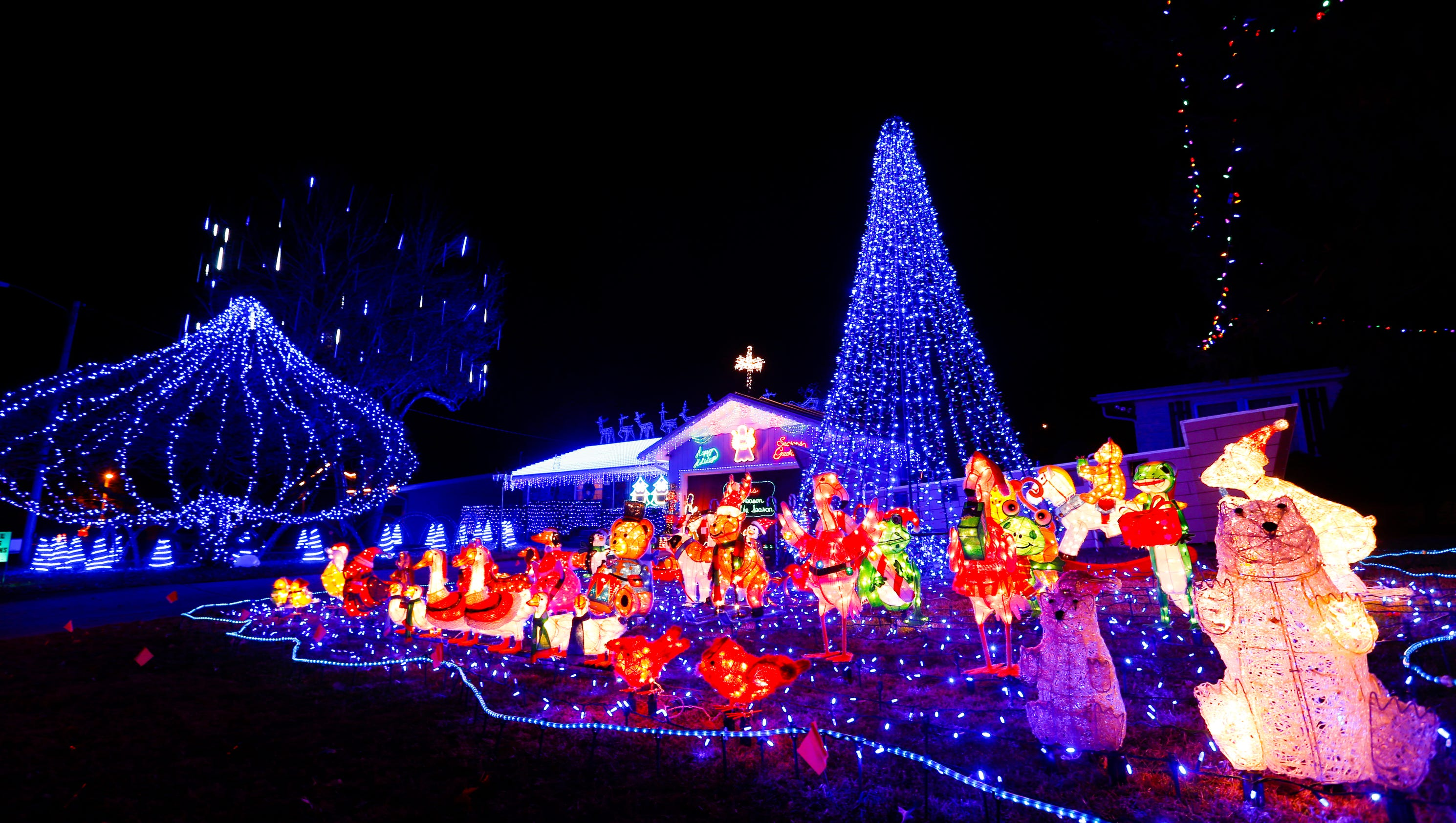 springfield news leader - Christmas Lights Synchronized To Music