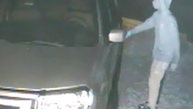 Deputies are looking for suspect in a dozen car burglaries in south Fort Myers.
