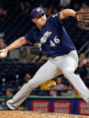 Corey Knebel delivers apitch in the ninth inning against the Pittsburgh Pirates on Sept. 18.