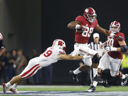 NCAA Football: Cowboys Classic-Wisconsin vs Alabama