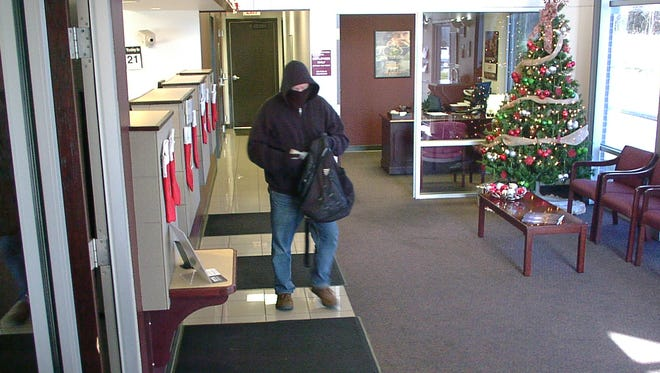 An image of the man suspected of robbing a Great Southern Bank in Springfield on Thursday, Dec. 21, 2017