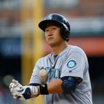 Seattle Mariners' Dae-Ho Lee bats against the Detroit Tigers in the first inning of a baseball game in Detroit, Wednesday, June 22, 2016.