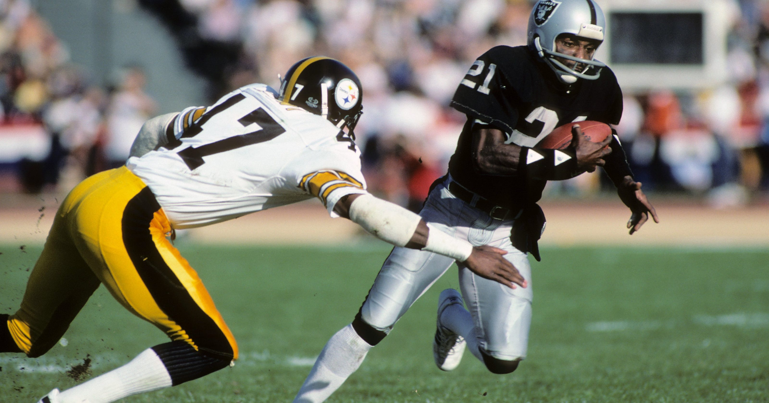 NFL: Cliff Branch, former Raiders great, dies at 71