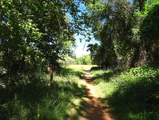 The Kisva Trail makes an easy stroll along the banks